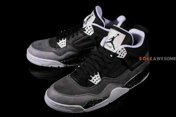 air-jordan-4-stealth-oreo_09