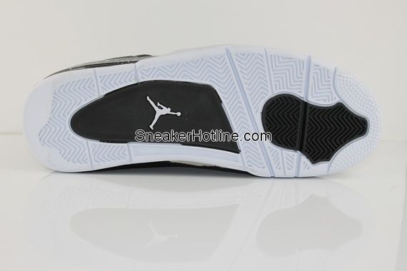 air-jordan-4-stealth_02_result