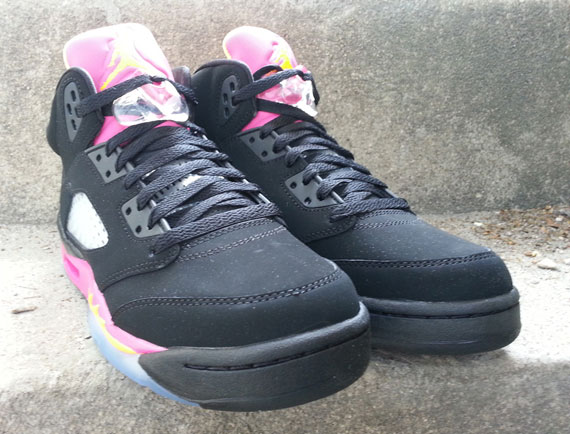 air-jordan-v-gs-black-bright-citrus-fusion-pink-arriving-at-retailers-3