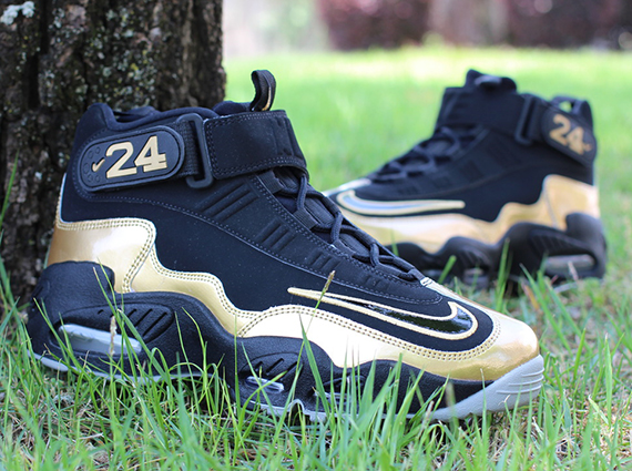 black-gold-nike-air-griffey-max-1