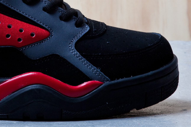 ewing-focus-black-red-5