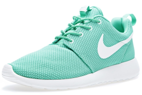 green-white-roshe run-nike_02