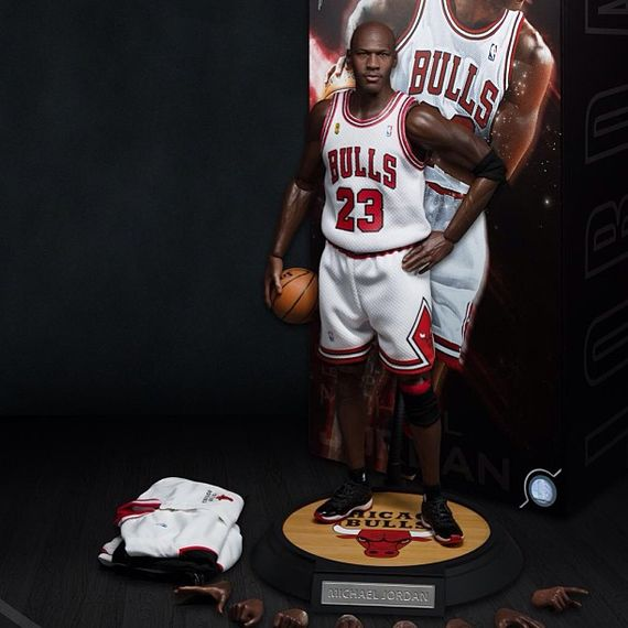 michael-jordan-enterbay