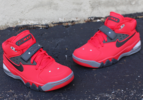 nike-air-force-max-2013-fire-red-toro-3