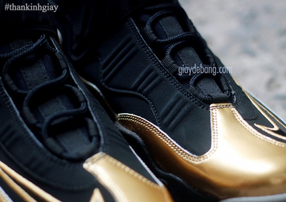 nike-air-griffey-max-1-black-gold-10-570x402