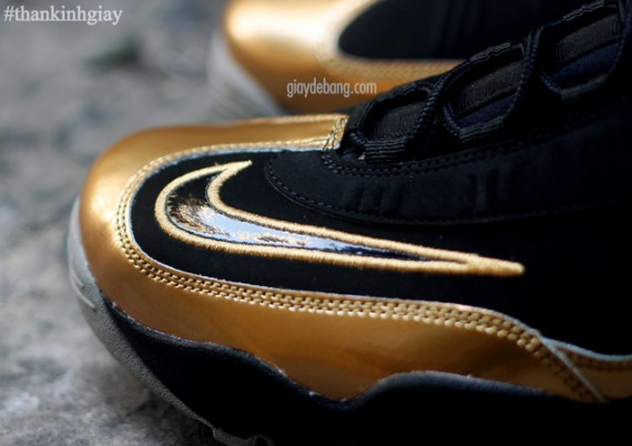 nike-air-griffey-max-1-black-gold-9-570x402