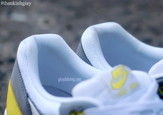 nike-air-max-1-essential-cool-grey-yellow-8-570x402