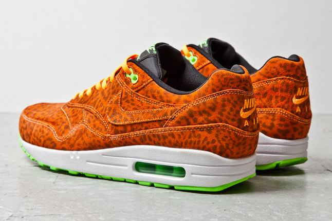 nike-air-max-1-fb-orange-leopard-4