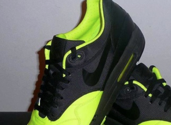 nike-air-max-1-prm-neon-black