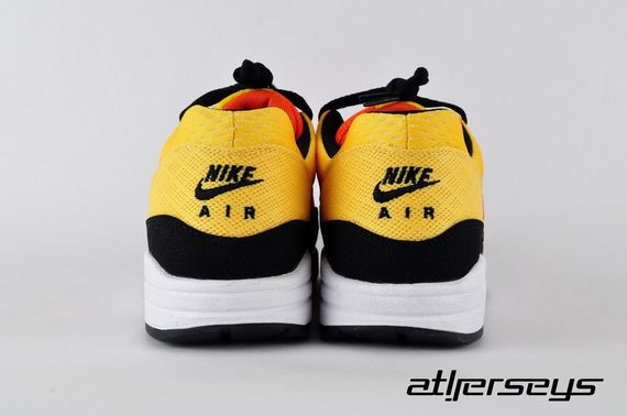 nike-air-max-1-sunset_02_result