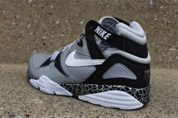 nike-air-max-trainer-91-bo-knows_04_result