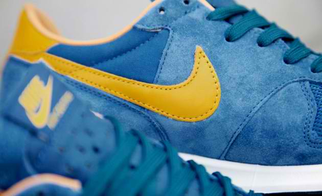 nike-air-solstice-qs-blue-yellow-4-630x384