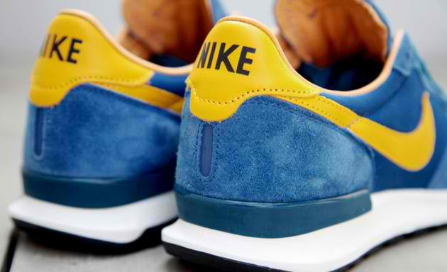 nike-air-solstice-qs-blue-yellow-5-630x384