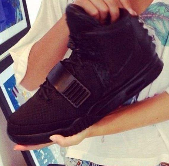 nike-air-yeezy-2-blackout_result