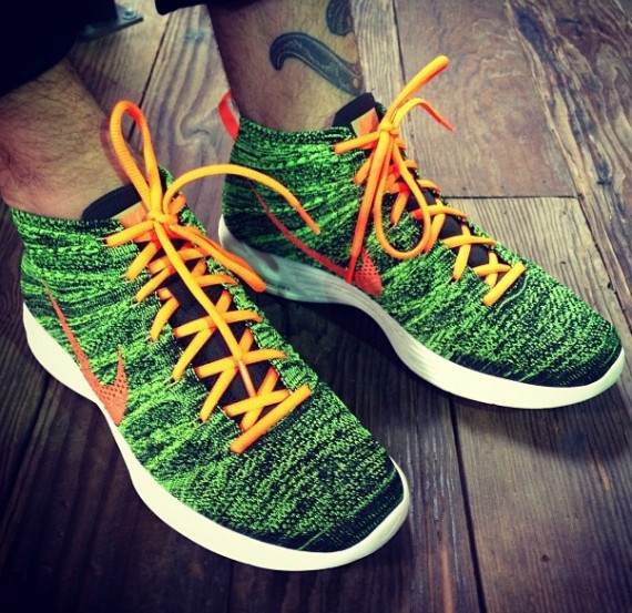 nike-flyknit-chukka-green-black-orange-570x553