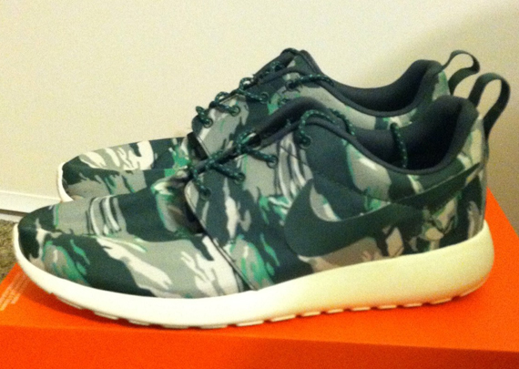nike-roshe-run-green-camo-2