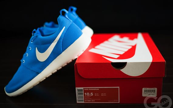 nike-roshe-run-hero-blue_04