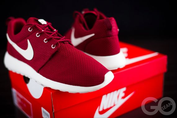 nike-roshe-run-team-red_03_result