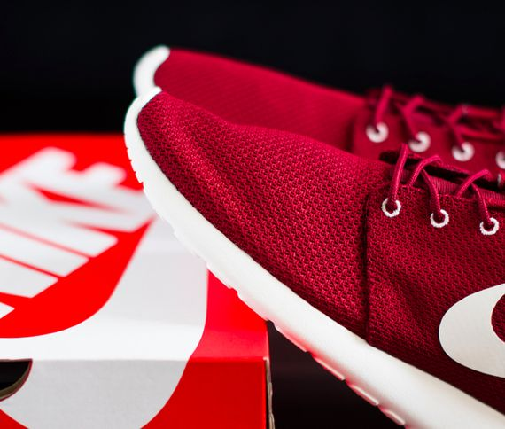 nike-roshe-run-team-red_result