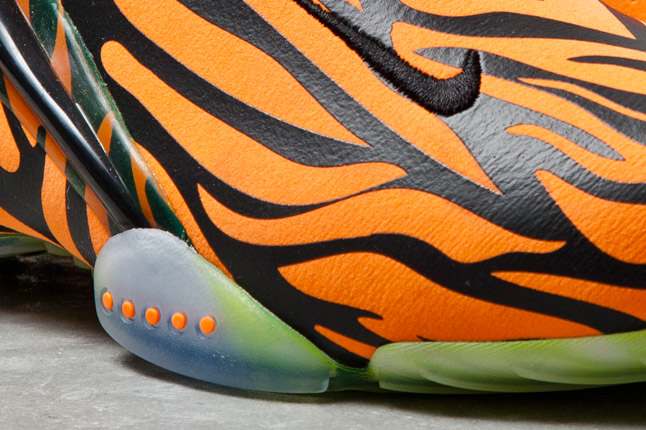 nike-zoom-hyperflight-orange-tiger-3
