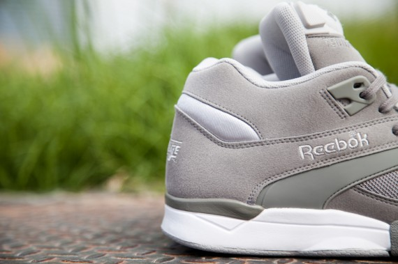 reebok-court-victory-pump-grey-white-7-570x379
