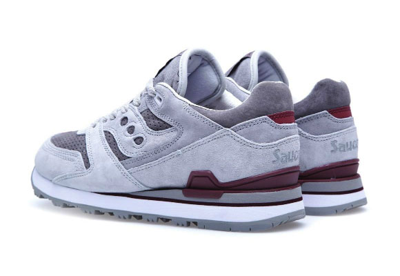 white-mountaineering-x-saucony-courageous-2