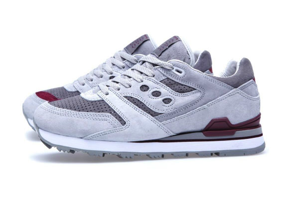 white-mountaineering-x-saucony-courageous