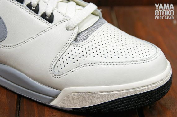 Nike-Air-Revolution-Grey-White-BLack_05_result