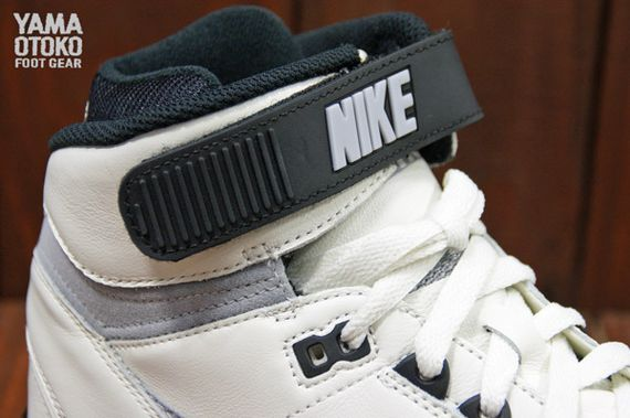 Nike-Air-Revolution-Grey-White-BLack_06_result