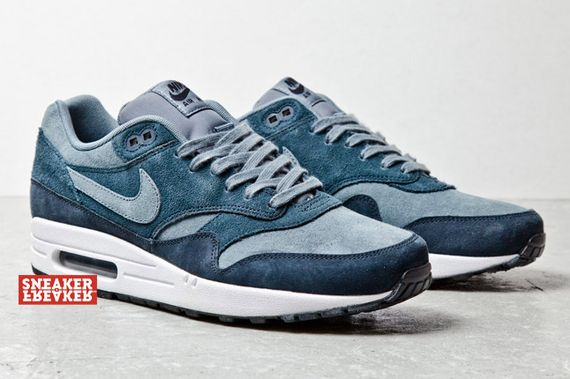 air-max-1-blue-suede_02_result