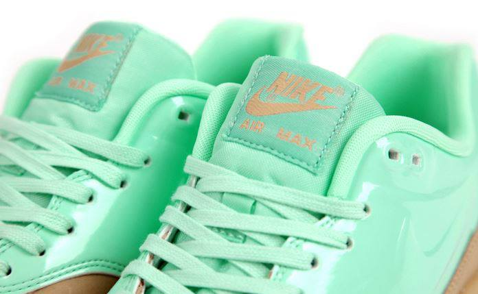 nike-air-max-1-vt-qs-caramelmint-8