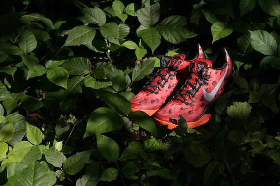 nike-kobe-8-challenge-red-arriving-at-retailers-03_result
