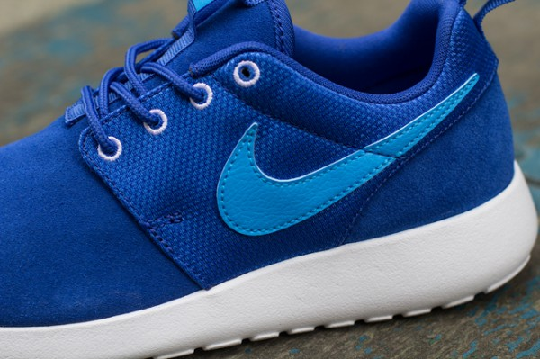 nike-roshe-run-gs-04-600x399
