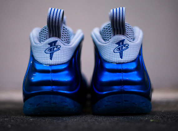 royal-foamposite-nike_03