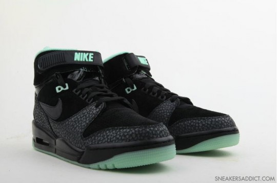 Nike-Air-Revolution-His-Hers-Pack-31-540x358