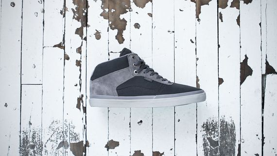 Vans-OTW-Collection_Bedford_Outlier_Anthracite-Ice_Fall-2013_4_result
