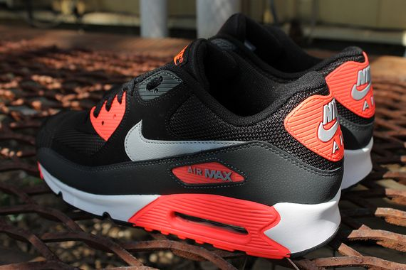 air-max-90-infrared_03_result