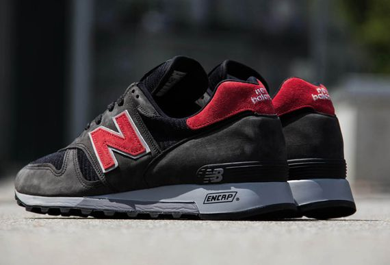black-red-grey-1300-made in usa-new balance_03