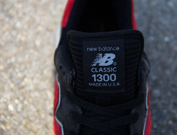 black-red-grey-1300-made in usa-new balance_04
