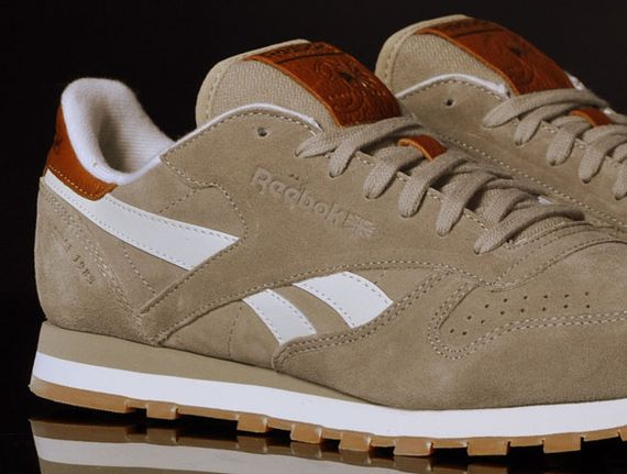 canvas beige-classic leather-reebok_05