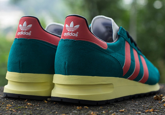 deep lake-red spirit-marathon 85-adidas_03