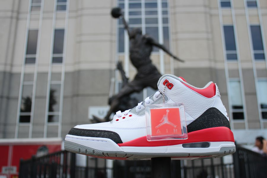 fire-red-air-jordan-3_03