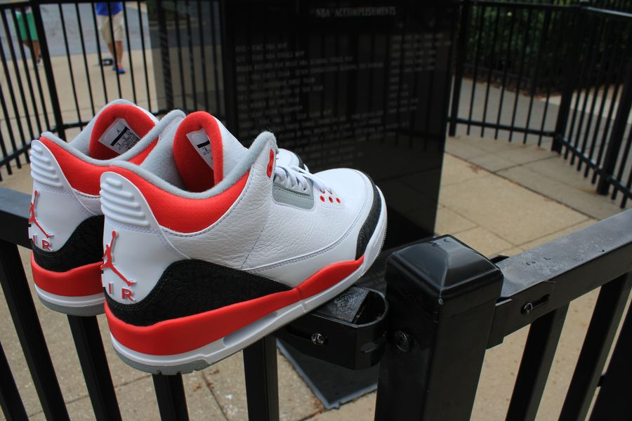fire-red-air-jordan-3_06