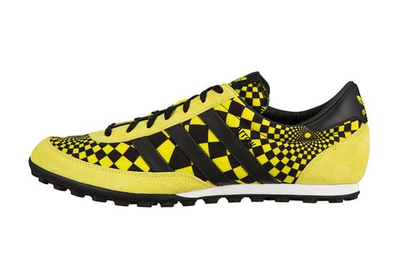 js arrow-jeremy scott-adidas originals
