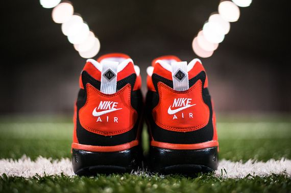 nike-air-challenge-red-diamond-turf_02_result