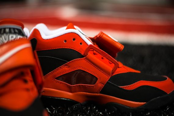 nike-air-challenge-red-diamond-turf_04_result