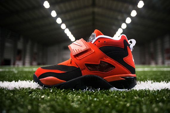 nike-air-challenge-red-diamond-turf_result