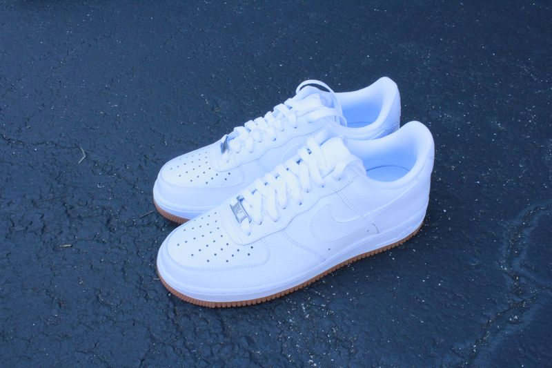nike-air-force-1-white-gum