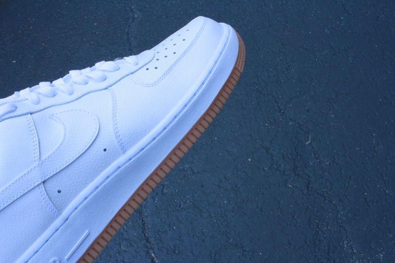 nike-air-force-1-white-gum_03