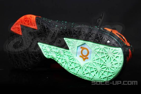 nike-kd-vi-glow-in-the-dark_03